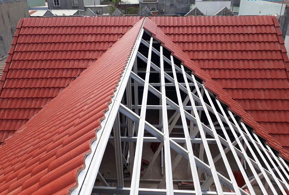 Báo giá thi công mái ngói Thái sẽ tùy thuộc vào giá từng loại ngói và chi phí nhân công