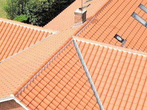 Mái nhà lợp ngói Hà Nội có khả năng chống rêu mốc vô cùng hiệu quả
