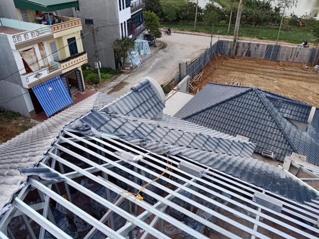Thi công ngói lợp Hà Nội đối với kỹ thuật lợp cho hệ khung kèo sắt, gỗ, thép mạ kẽm
